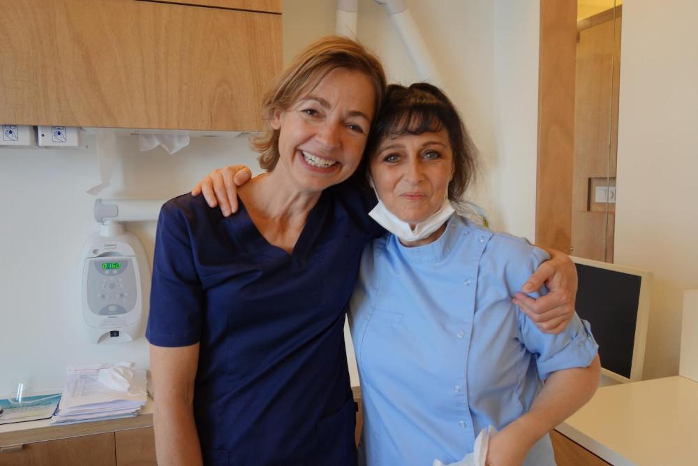 Tandarts Sally met assistent Anita