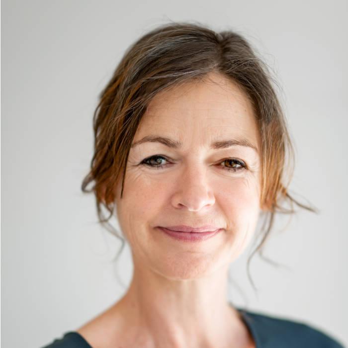 Sally Feenstra-Blankenburgh, Tandarts aan het IJ